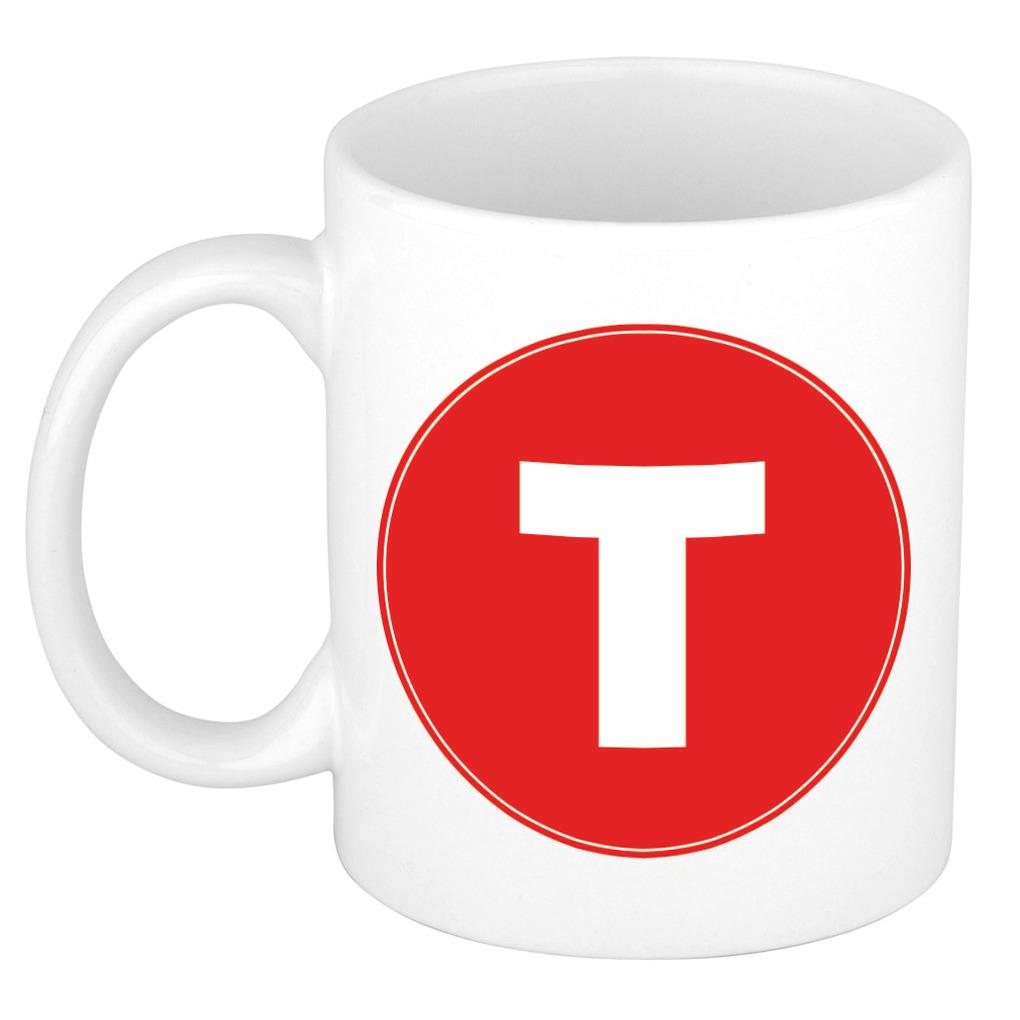 Mok / beker met de letter T rode bedrukking voor het maken van een naam / woord of team -