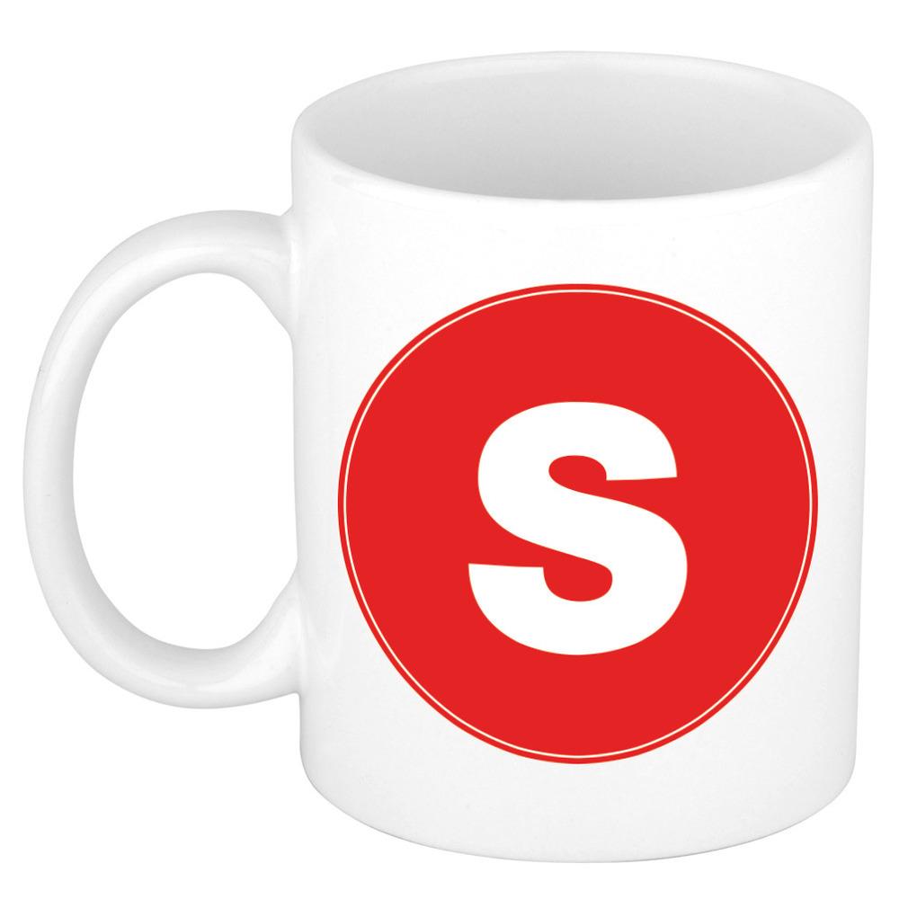 Mok / beker met de letter S rode bedrukking voor het maken van een naam / woord of team -