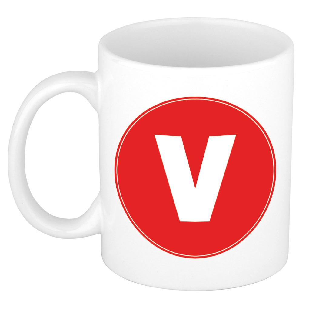 Mok / beker met de letter V rode bedrukking voor het maken van een naam / woord of team -