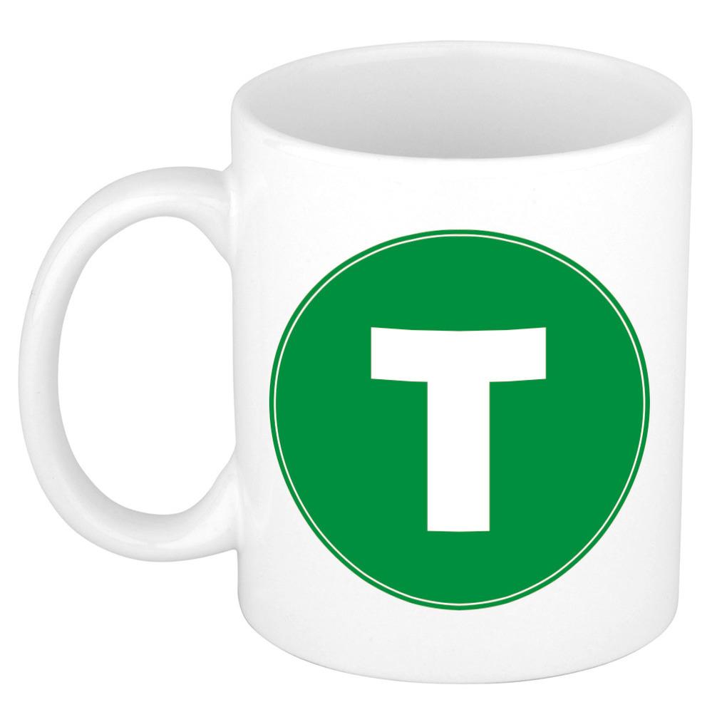 Mok / beker met de letter T groene bedrukking voor het maken van een naam / woord of team -