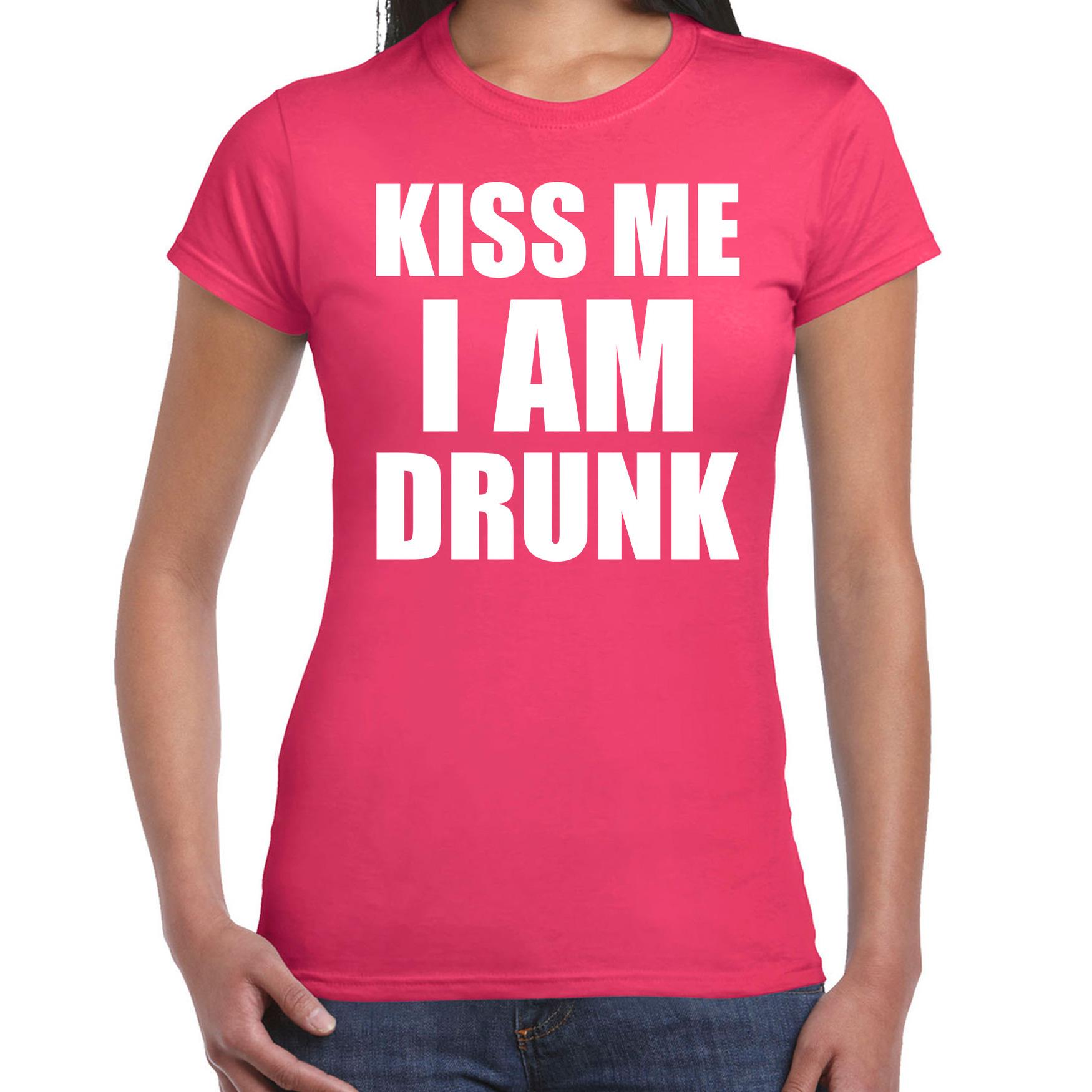 Fun t-shirt kiss me I am drunk roze voor dames M -