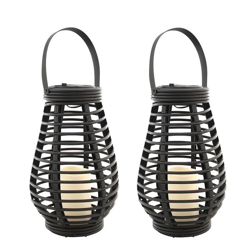 Set van 2x stuks buiten/tuin zwarte rotan lampionnen/hanglantaarns 26 cm solar tuinverlichting -